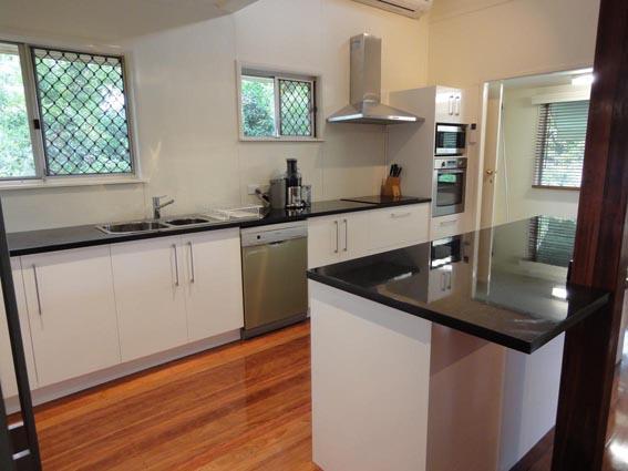 Ken Mckay Homes - Kitchen